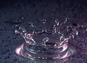 water-drop-on-water_f1Q2RUtd 2